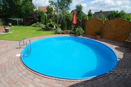 blaue Poolfolie zum Selbsteinbau